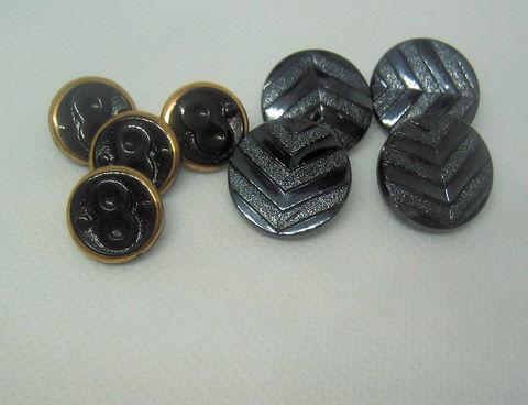 Vintage,Czech,Glass,Buttons,,Chevron,and,Figure,Eight,Design,,8,vintage glass buttons, Czech glass buttons, chevron pattern,figue 8, number 8, chevron buttons, geometric design, black buttons, 18mm buttons, self shanked buttons