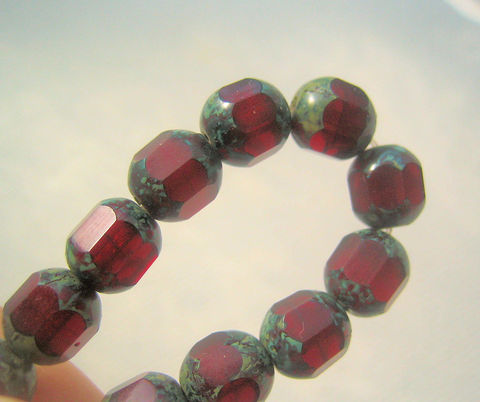 Picasso,Finish,Deep,Garnet,Czech,Glass,lantern,beads,strand,lantern beads, deep garnet colour, Picasso beads, Picasso finish, bead strand, faceted glass beads, dark red beads