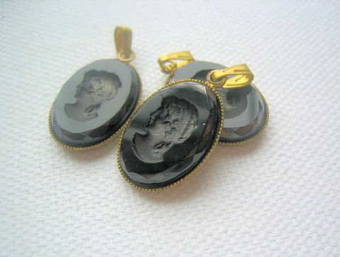 3,Black,Glass,Intaglio,Small,Pendant,Charms,Vintage,vintage jewelry supplies, old intaglio pendants, vintage intaglio glass, glass cameo inverse, cameo negative, brass settings, small pendants, intaglio charms