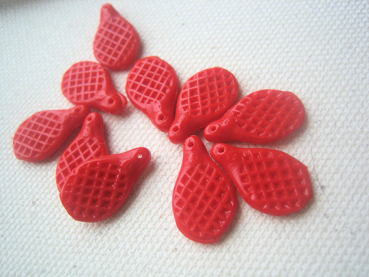 Beaver Tails Waffle VIntage Glass Beads Red 10 - product images  of