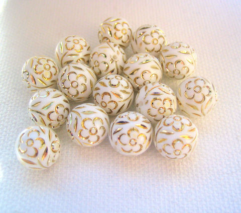 White,10m,beads,with,incised,Golden,Flowers,16,10mm beads, vintage plastic beads, golden flower beads, white and gold colour, round beads, white beads, floral beads