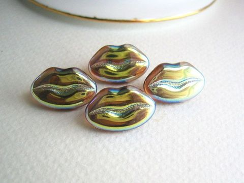 Glass,Lips,Buttons,vintage,golden,shiny,Czech,glass,glass lips,glass lip buttons,button your lips,vintage czech glass,czech glass buttons,molded buttons,pressed glass buttons,novelty buttons,old novelty buttons