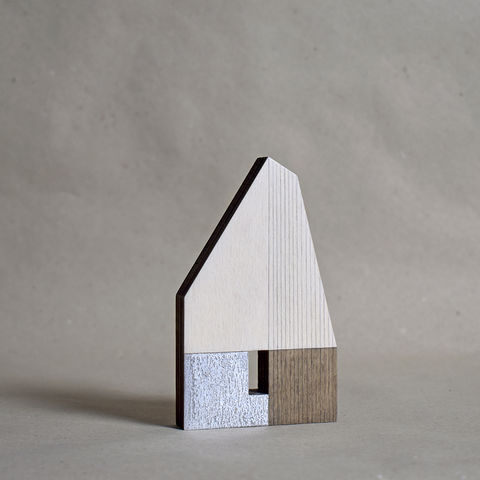 Hut,-,white/silver,no.15,sculpture, lasercut, plywood, house, architecture, miniature, gilding, silver, wood, barn, metal