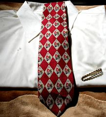 Men's,Christmas,Tie,By,Cape,Cod,Neckwear,With,Diamond,Shapes,Featuring,Santa,And,Cranberry,Red,men's tie, men's Christmas tie, Christmas theme tie, Santa tie, cranberry red tie, silk tie, Cape Cod neckwear tie,  Two Artisan Ssiters