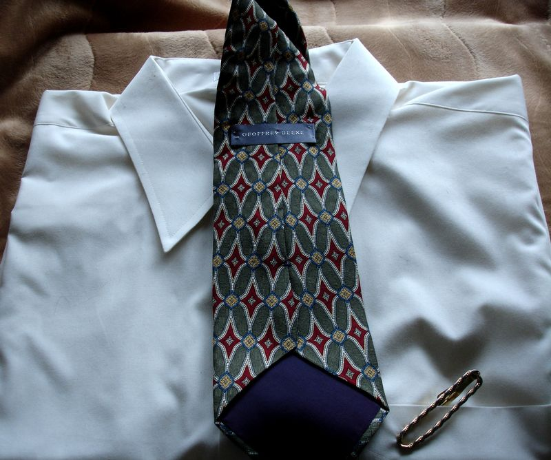 Men's Geoffrey Beene Olive Green Cranberry Red Gold And White Tie NWOT - product images  of