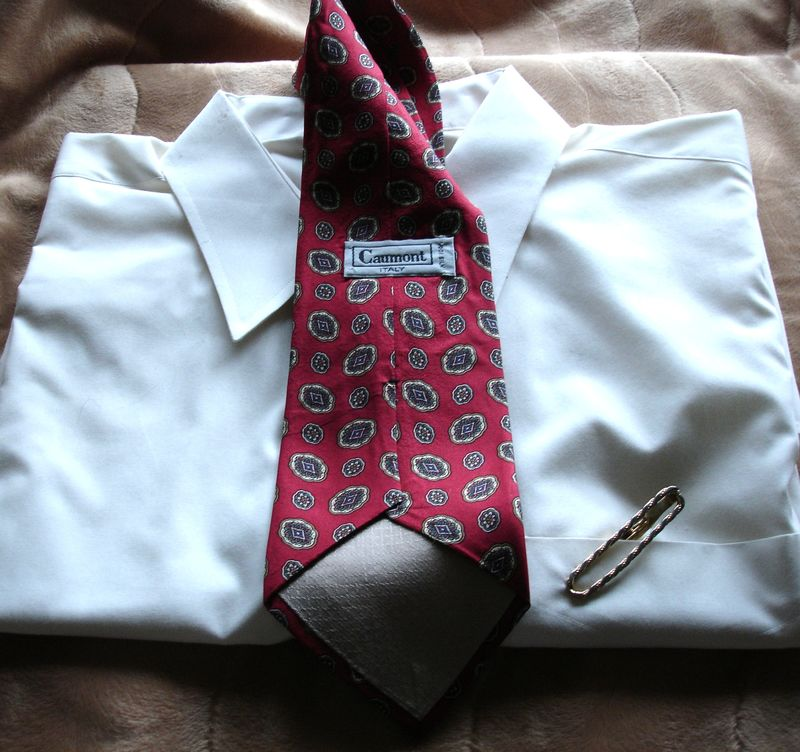 Men's Caumont Red With Gold Blue And  Green Tie NWOT - product images  of