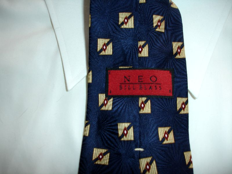 Men's Neo Bill Blass Navy Blue With Gold White And Cranberry Red Tie NWOT - product images  of