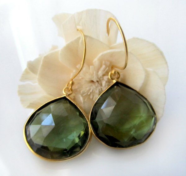 Green Natural Solar Quartz Gesmtone Gold Plated Fancy Style Drop Dangle Earrings