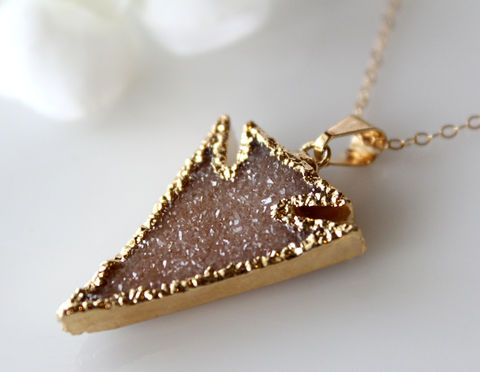 Beige,Arrowhead,Druzy,Crystal,Pendant,,Necklace,,Dagger,Sparkling,Arrow,Head,Off,White,,Natural,Jewelery,Jewelry,Necklace,necklace,arrow_pendant,off_white,beige_druzy,arrowhead_pendant,dagger,sparkling_pendant,natural_druzy,druzy_jewelery,bygerene,arrow_head,natural_drusy,valentine_sale,14K gold filled chain,Beige Druzy