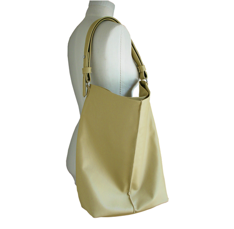 Bella,Soldato,Tote,Bag,one of a kind,leather,leather tote,leather tote bag,tote bag,big tote bag,big leather tote,large leather tote bag,large leather bag,beige leather tote,taupe leather tote,minimalist leather bag,minimalist fashion,minimalist accessories,minimalist leather b