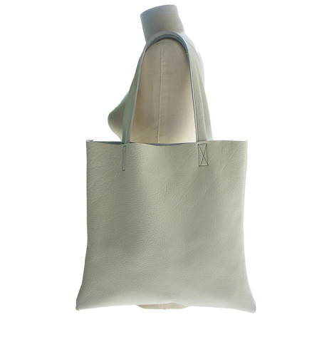 Pebbled,Chalk,Tote,Bag,leather tote,leather tote bag,tote bag,tote,white tote,white tote bag,white leather tote,neutral leather tote bag,minimalist fashion,minimalist tote bag