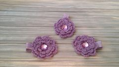 Mini,Crocheted,Flowers,on,clips