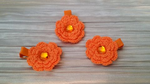 Mini Crocheted Flowers on clips - product images 2 of 5