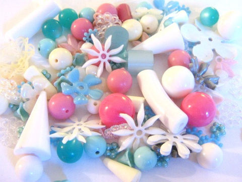 Assorted,Vintage,Lucite,Plastic,Bead,Mix,Blue,Pink,White,Rounds,Flowers,Vintage_bead,vintage_lucite,vintage_beads,vintage_plastic_bead,vintage_leaves,assorted_beads,vintage_bead_mix,old_lucite_beads,bead store, Beads2string, jewelry_ supplies, bead supplies, craft supplies, vintage_beads