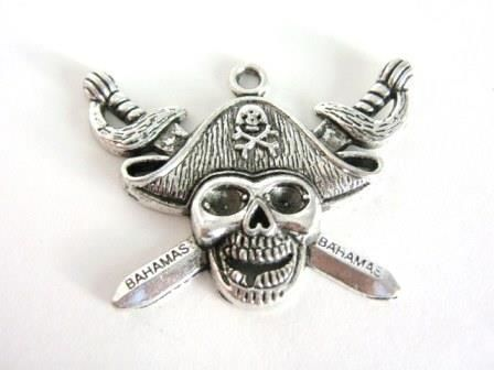 Pirate,Skull,34x45mm,Pendant,Antique,Silver,Charms,supplies,charms,pendants,Findings,skull_charm,pirate_pendant,45mm_skull_charm,metal_skull,skull_and_crossbones,pirate_charm,pirate_skull,oxidized_silver_charm,jewelry_supply,skull_pendant,silver_skull,jewelry_findings,chunky_pendant,34x45mm_pirate_skull,B