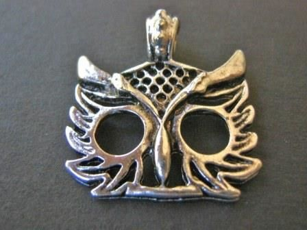 Antique,Silver,25mm,Owl,Charm,Face,supplies,findings,jewelry_Findings,charms,pendants,owl_face_charm,owl_face_pendant,25mm_owl_charm,metal_owl,large_hole_pendant,silver_owl_charm,owl_face,owl_charm,owl_pendant,jewelry_supply,bead_supply,Beads2string,oxidized_silver_charm