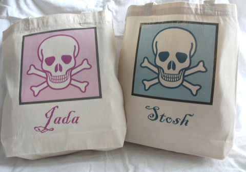 Skull,and,Crossbones,Totes-,Trick,or,Treat,Bags,bags_and_purses,tote_bag,kids_tote_bag,custom_tote_bag,skullandcrossbones,skull_tote_bag,birthday_party,party_favor,etsynj_team,pirate_party,pirate,halloween_party,trick_or_treat_bag,personalized