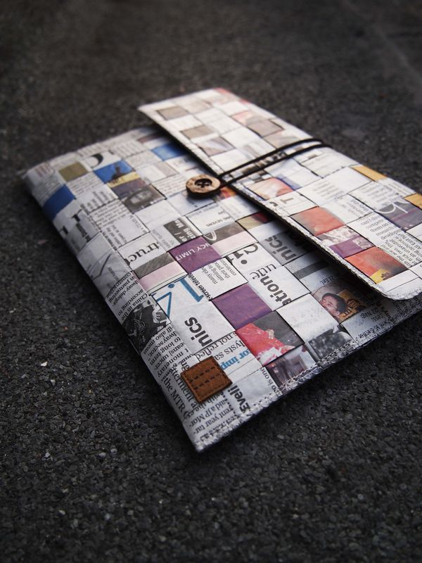 "Newspaper computer / talet bag (custom made for any model between 6""-8"") - product images  of"