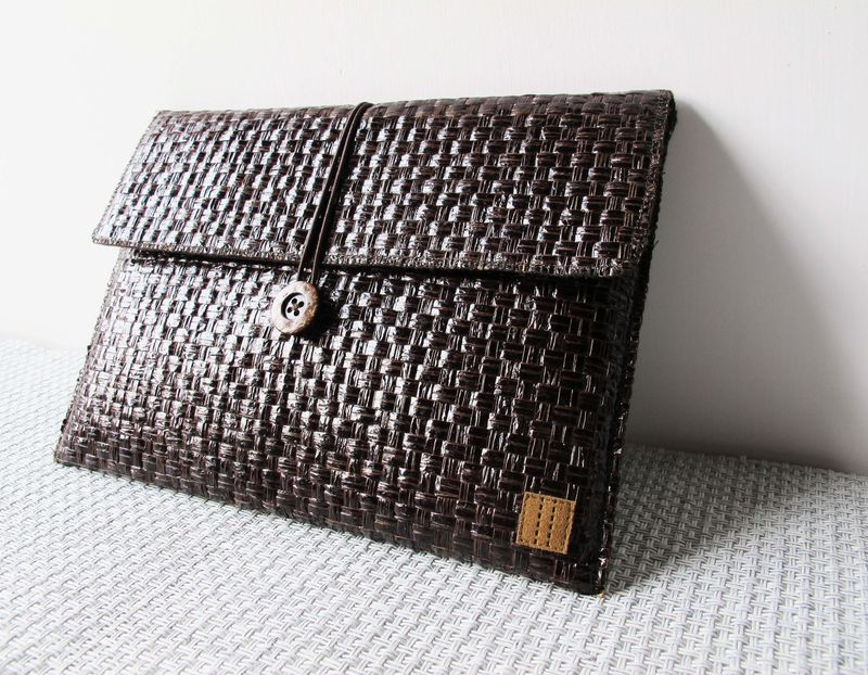 "Dark brown grass woven computer / tablet bag (custom made for any model between 11.1""-15"") - product images  of"