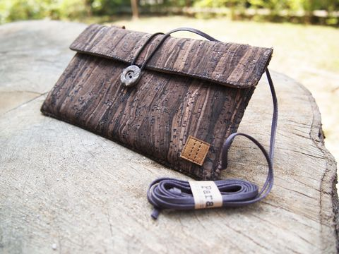 Wooden,grain,cork,phone,bag,with,cover,(horizontal),(custom,made,for,any,model)