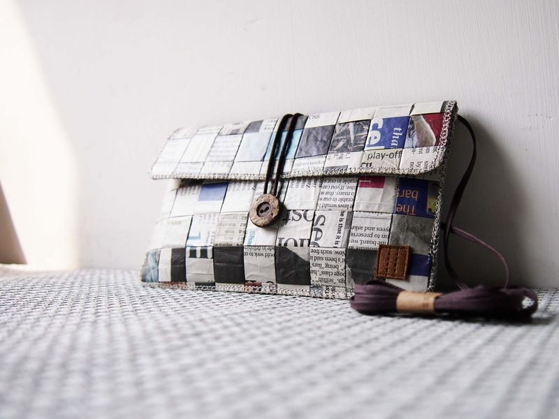 Newspaper phone bag (horizontal) (custom made for any model) - product images  of