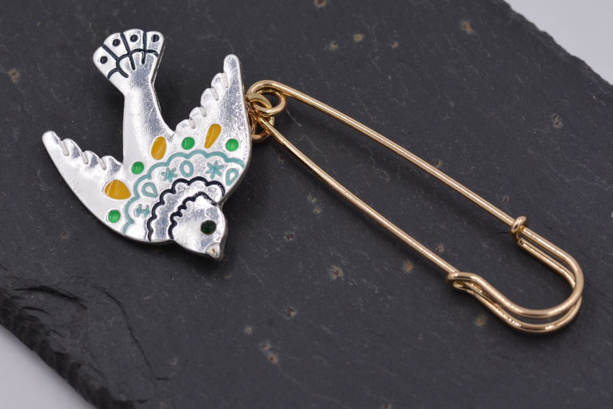 ... Silver Tone Little Swallow Bird Kilt Pin Safety Pin Style Brooch With  Enamel   Cute And ...