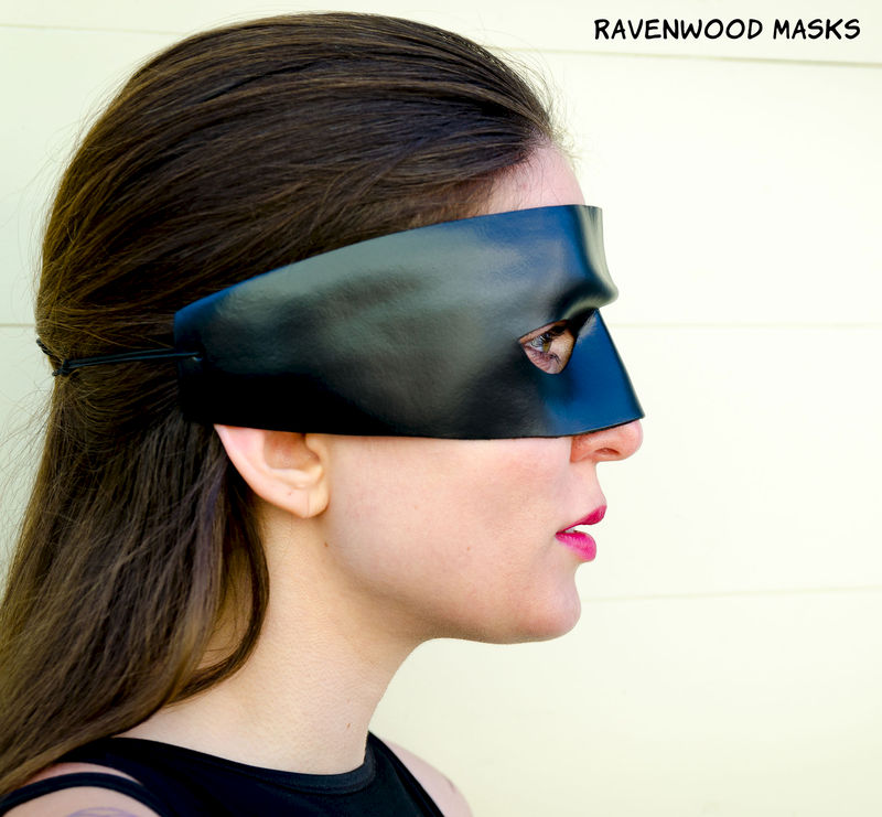 Dread Pirate - leather cosplay mask - product images  of