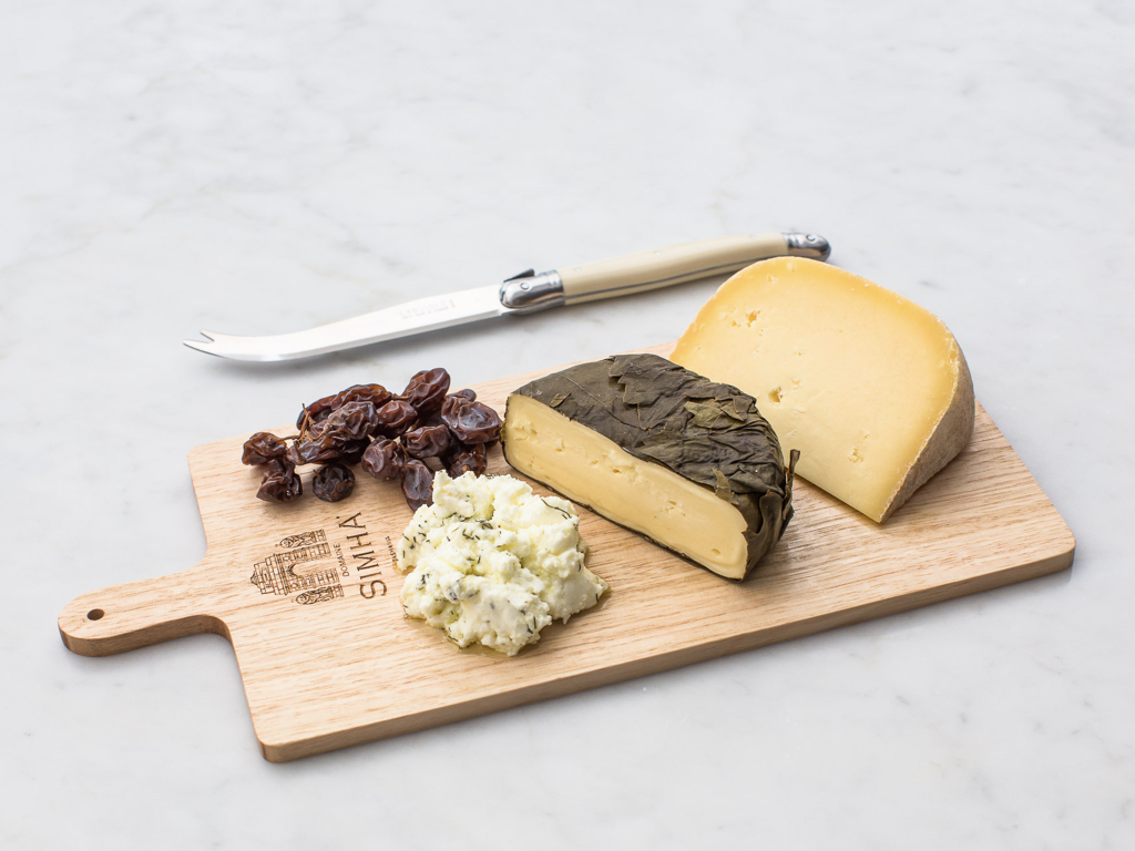 Domaine Simha Tasmanian Oak cheese board