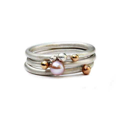 Sterling silver ring,  freshwater pearl 4mm.