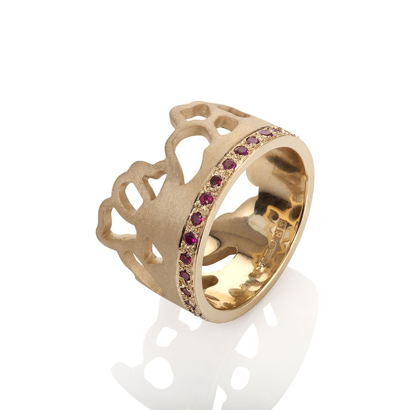 9 ct yellow gold ring with pave set rubies