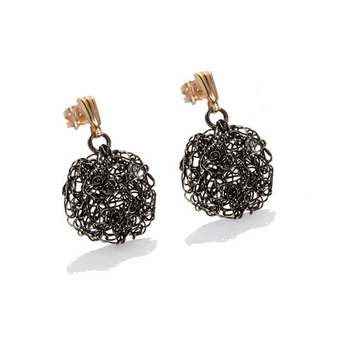 HANDKNIT,earrings,black,gold,by,Danny,Ries,Danny Ries, black hand-knitted earrings, oxidised silver hand-knitted earrings