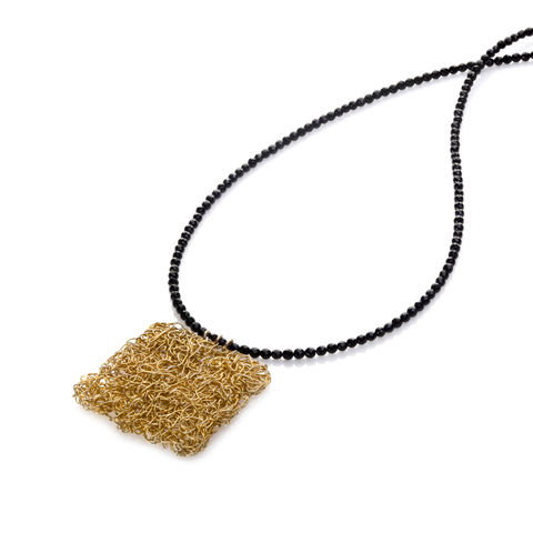 HANDKNIT,gold,square,spinel,by,Danny,Ries,Danny Ries, gold hand-knitted pendant with spinel