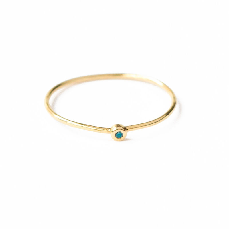 18ct yellow gold band with green-blue diamond by LaParra Jewels - product images