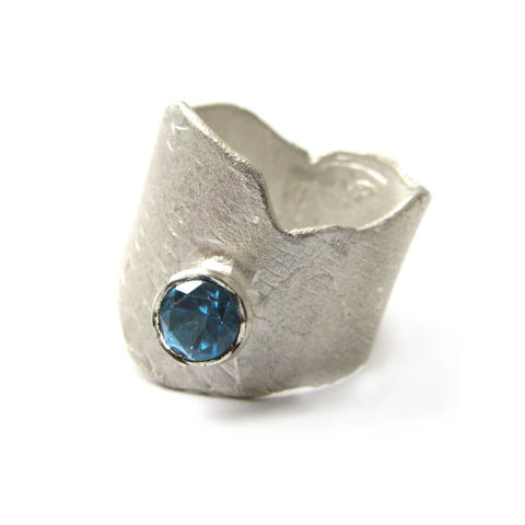 London,Blue,Topaz,Cocktail,Ring,by,Catherine,Marche,london blue topaz,cocktail ring, catherine marche, sculptural jewellery, london jeweller,statement ring, chunky silver jewellery, made in the uk