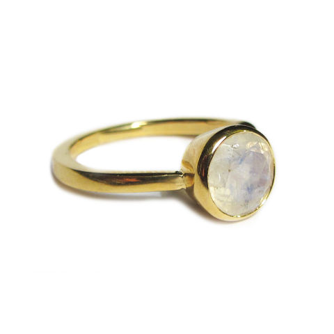 18ct,yellow,gold,and,Moonstone,Solitaire,Ring,by,Catherine,Marche,blue moonstone ring, 18K gold ring,catherine marche fine jewellery, jeweller in london, ethical jewellery, sustainable fashion, moonstone ring, alternative solitaire ring