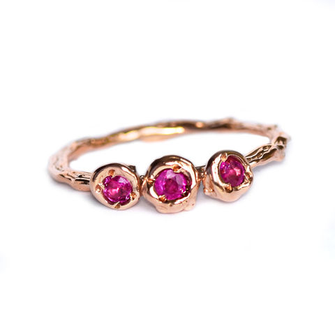 Rose,gold,ring,with,pink,sapphires,by,LaParra,Jewels