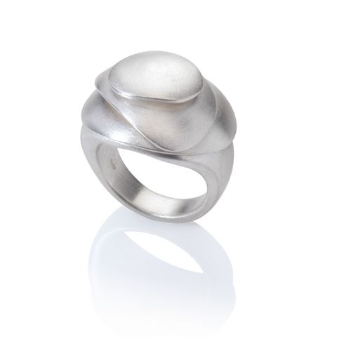 Eternity,ring,large,silver,by,Juliet,Strong,Juliet Strong, kinetic pebble ring silver
