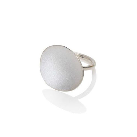 Weathered,Shapes,ring,white,gold,by,Juliet,Strong,Juliet Strong, pebble ring silver