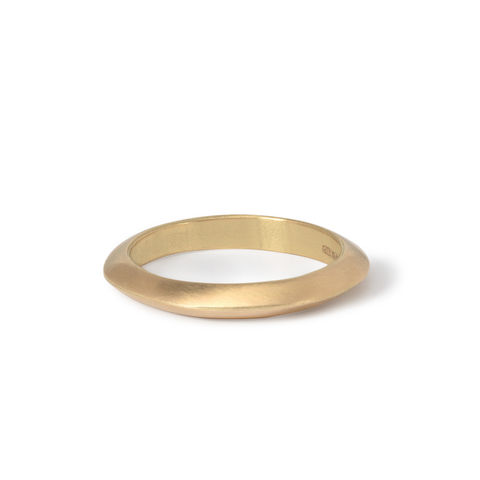 Ridge,ring,2,18ct,gold,by,Naomi,Tracz,solid gold ridge ring