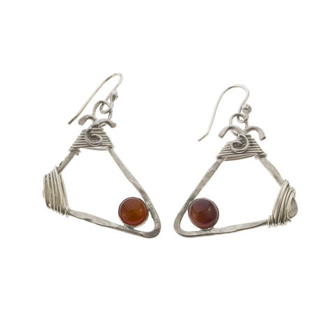 Trio,earrings,by,Varr-Dan,silver triangle earrings with garnet, Varr-Dan, jedeco, organic triangle silver earrings with garnet