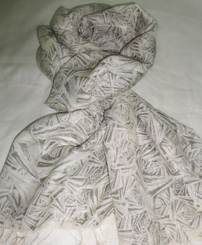 Stylish Silk Wool Scarf in Shades of Grey - product image