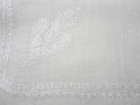 Natural,White,Handwoven,Loose,Weave,Pure,Pashmina,Hand,Embroidered,Stole,Natural White Pashmina Stole, Embroidered Pashmina stole, pure pashmina shawl, Pashmina stole, Pashmia Scarf, Embroidered shawl, Handwoven Pashmina shawl