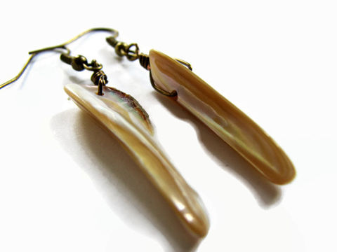 Boho,brass,shell,spike,earrings,boho shell earrings, sea shell earrings, taupe earring, spike earrings, dangle shell earrings, brass shell earrings, shell spike jewelry, taupe sea shell, shell jewelry, boho jewelry