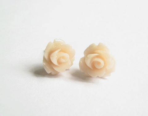 Small,Peach,Flower,Stud,Earrings,for,Spring,flower stud earrings, rose stud earrings, flower posts, flower studs, peach flowers, small stud earring flowers, light peach, pale peach, off white flowers, stainless steel posts, stud earrings for spring, spring earrings, Easter earrings, pastel Earring