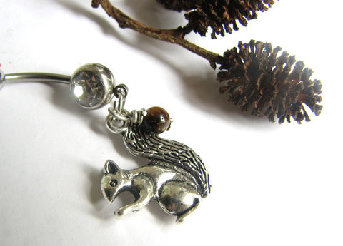 Squirrel,Belly,Button,Piercing,with,Brown,Tiger's,Eye,Nut,squirrel belly, chipmunk belly, woods animal, forest animal, belly rings, stainless steel, bellybutton rings, piercings, animal belly button jewelry, tiger's eye acorn, brown gemstone nut ,navel ring, short dangle belly,