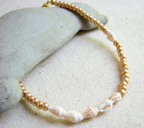 Gold,Beaded,Seashell,Anklet,,Beach,Wedding,Jewelry, Anklet beach_ankle bracelet, ankle bracelets, shell_ankle_bracelet, sea_shell_jewelry, seashell anklet, beach wedding jewelry, beach wedding gold, gold beaded anklet, foot bracelet, gold anklet, gold_ankle_bracelet, anklet design, Natural Sea She