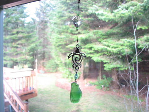 Hawaiian,Honu,and,Sea,Glass,Suncatcher,for,Windows,hawaiian honu, charm, sea glass, sea turtle, seaglass, suncatcher, sun catcher, prism, window prism, window decoration, car mirror decoration, green, silver, short, clip-on