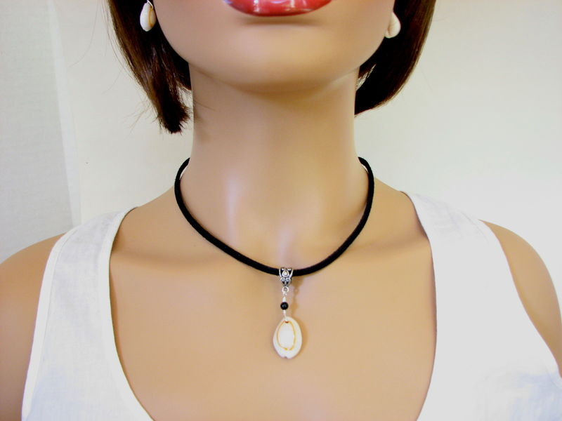 Cowrie Shell and Onyx Black Suede Necklace - product images  of