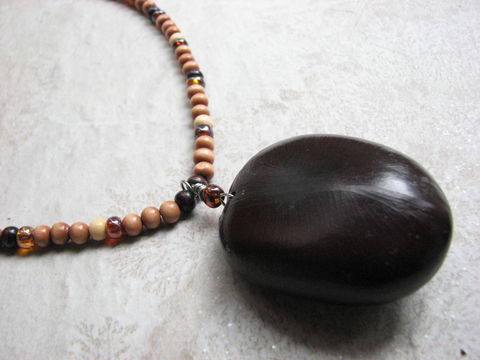 Sea,Heart,Necklace,,Wood,Bead,and,Large,Natural,Bean,Jewelry,sea heart necklace, large sea bean, largest seabean, monkey heart necklace, sea heart jewelry, hand crafted necklace, drift seed jewelry,, costa rica seed,