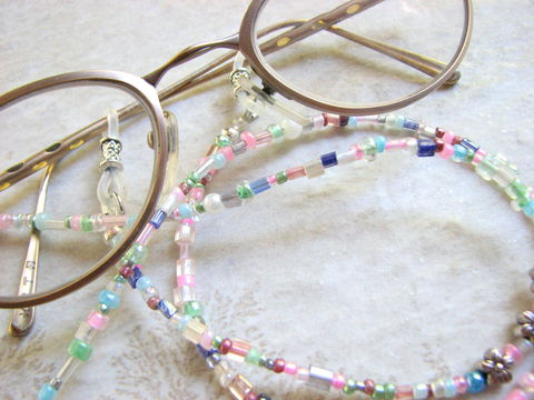 Beaded,Pastel,Eye,Wear,Chain,Necklace,pastel eye wear chain, beaded eye glass chain, pink, blue, white, Easter gift idea, light color eyewear necklace, flowered eyeglass lanyard, find you glasses, Never lose your eye glasses, pretty bead glasses holder, sunglasses, eyeglasses, jewelry, eye we